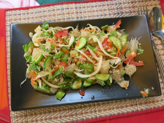 Thai Cooking Classes: pomelo with mince meet salad