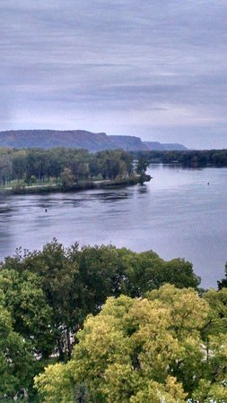 Radisson Hotel La Crosse : River bluffs
