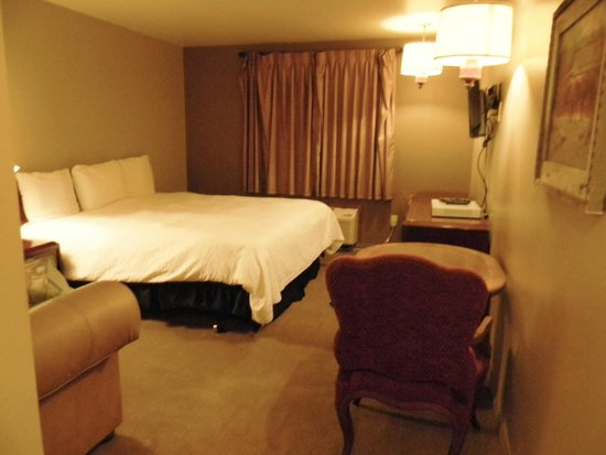 Rawlins Western Lodge: bedroom