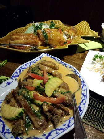 The Golden Elephant Thai Restaurant: Crispy red duck curry