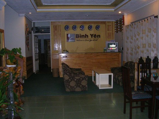 Binh Yen Hotel: Hotel Reception