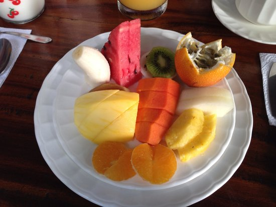 Casa Marco Polo: Fruit plate at breakfast