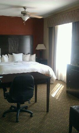 Homewood Suites by Hilton Waco, Texas: desk and king sized bed