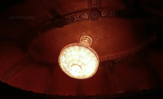 Byrd Theater : Chandelier Byrd Theatre