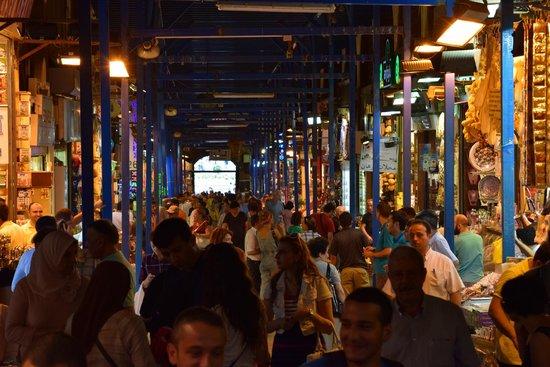 Arif Yasa -  Tours : The Spice Market, Istanbul