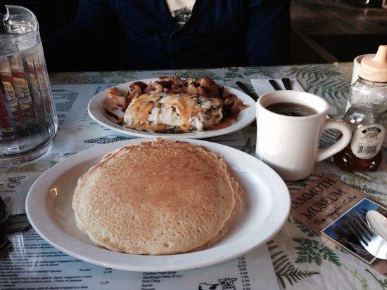 Breakfast Club : Pancakes et oeufs en burritos!