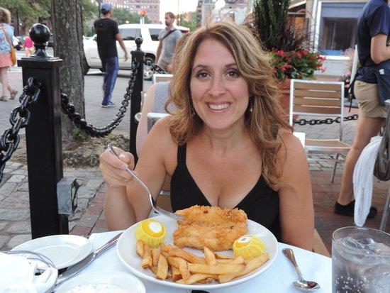 Joe's American Bar & Grill : Fish n'chips et mega frites