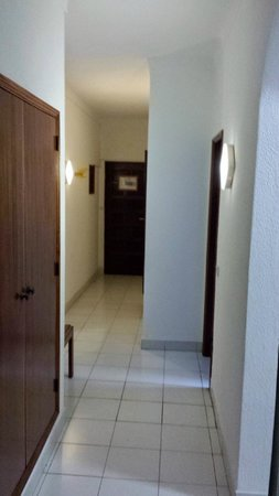 EiraSol: hallway