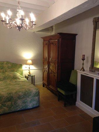 Chateau De Fleurville: Very nice refurbishing