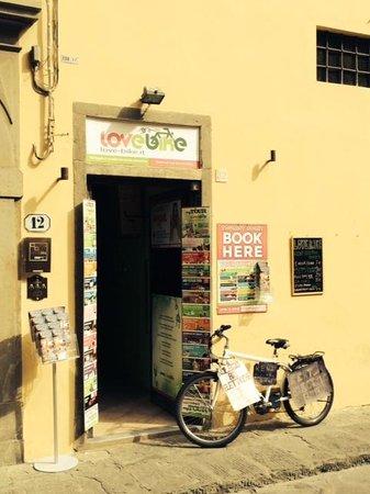 LovE-Bike - Noleggio Bici Elettriche: Store front
