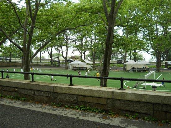 Riverside Park: Sports Zones