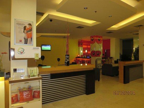 Hotel Ibis Yogyakarta Malioboro: part of lobby