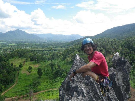 Chiang Mai Rock Climbing Adventures: Climbing Guide Gee on top of Crazy Horse