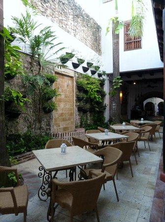 Bantu Hotel By Faranda Boutique: Lobby/bar area