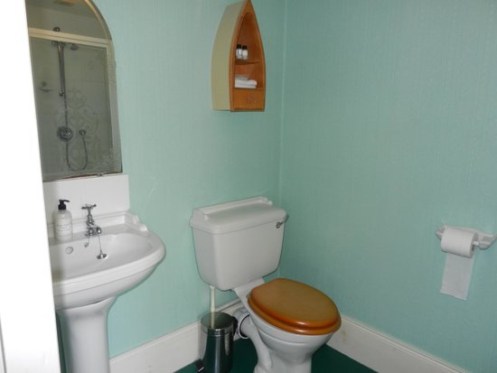 The Old Rectory : bathroom