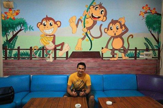 Funky Monkey Hostel : ใกล้ตลาดนัดริมโขง ห้องสะอาด บริการและบรรยากาศเป็นมิตรมาก