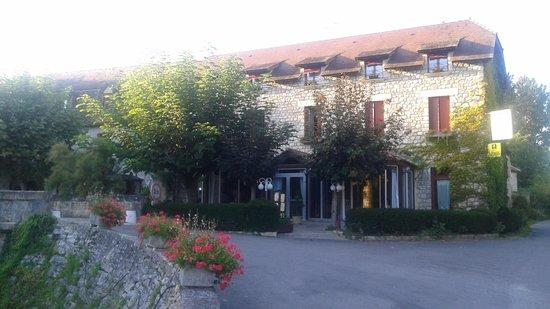 Auberge de L'Ile: vue de l hôtel