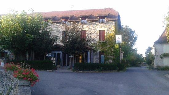 Auberge de L'Ile: vue de l'hôtel