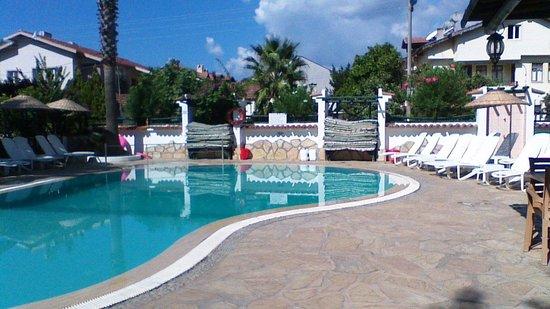 Beyaz Villas: the relaxing pool area