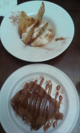 Taberna La Montillana: Crema dulce de queso de Zuheros, leche de dátil y torta Inés Rosales y Tarta de la abuela