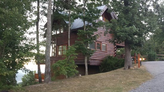 Brother's Cove Log Cabin Rentals: Each cabin is wonderful & unique to the rest.  This is a nature lovers vacation.