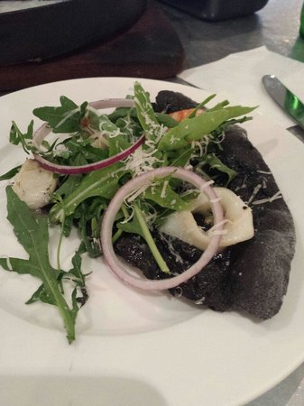Skinny Pizza : Squid Ink Pizza
