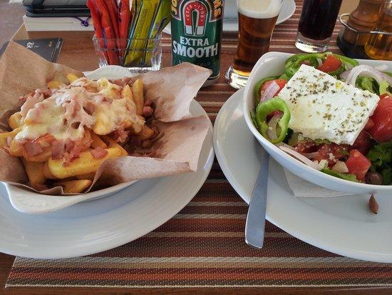 Hotel Costas Golden Beach : Nice lunch...