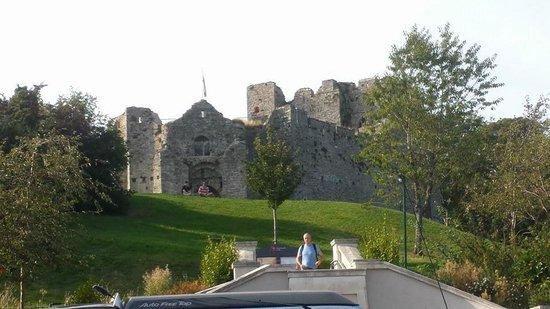 Ibis Swansea: Oystermouth castle
