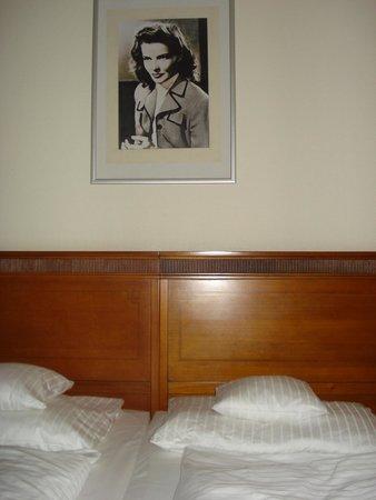 Hollywood Media Hotel: Отельная комната