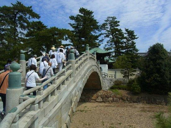 Zentsu-ji Temple : 済世橋