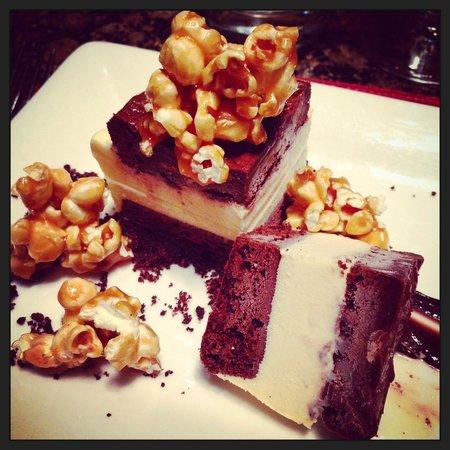 Cafe Z at Conrad Pezula: Ice Cream Sandwich with Salted Caramel Popcorn