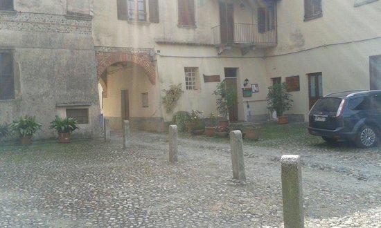 Osteria San Giulio: Entrata della trattoria