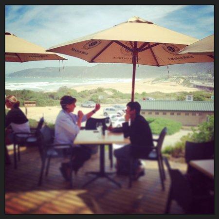Salinas Beach Restaurant: Stunning deck with beautiful view