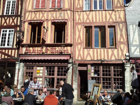 Auberge St-Maclou: devant