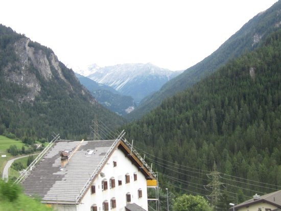 Mount Corvatsch : A view from the cable car