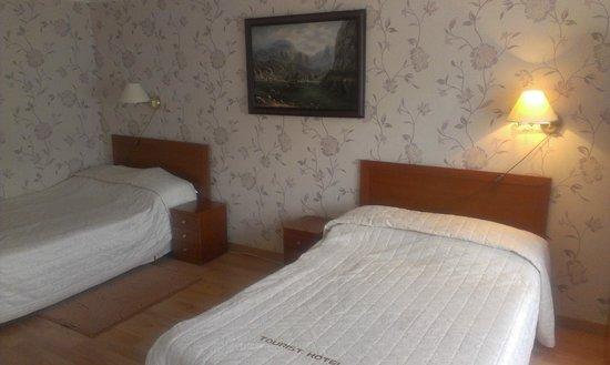 Tourist Hotel: номер люкс, одноместных не было
