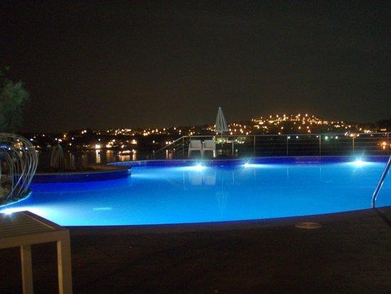 SENTIDO Punta del Mar : pool at night