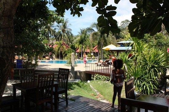 Longbay Resort : Piscine vue du bar