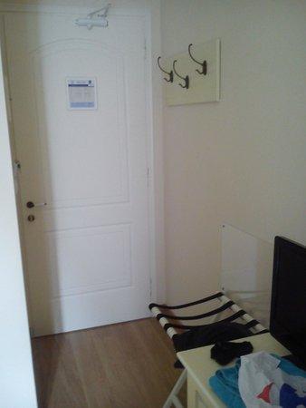 Hotel Egli: Είσοδος δωματίου