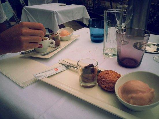 Le Relais 50: Menu midi à 25€ > Café gourmand