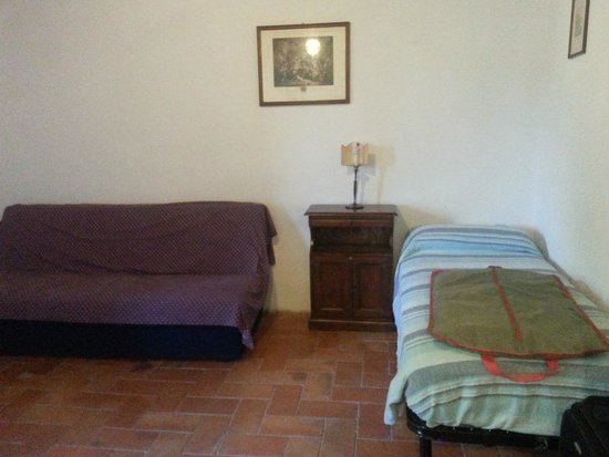 Antica Tenuta Le Casacce: Bedroom two/sitting room with second TV