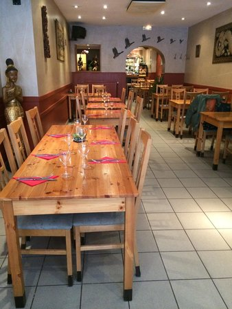 Pataya Restaurant: Restaurant a 14:30... Un peu glauque car désert.