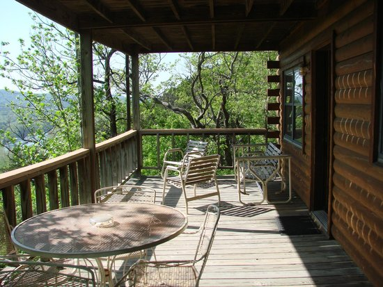 Arkansas White River Cabins: Porch with view