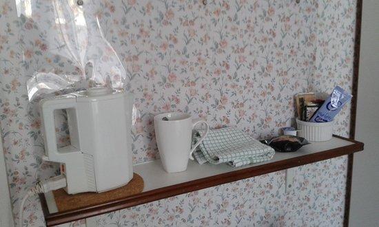 Aveland House: kettle etc in room