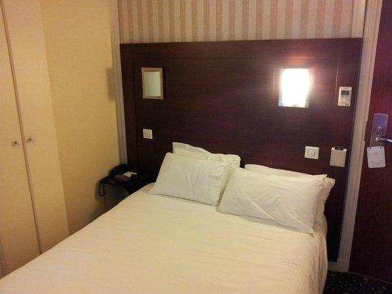 BEST WESTERN Montmartre Sacre-Coeur: Bedroom