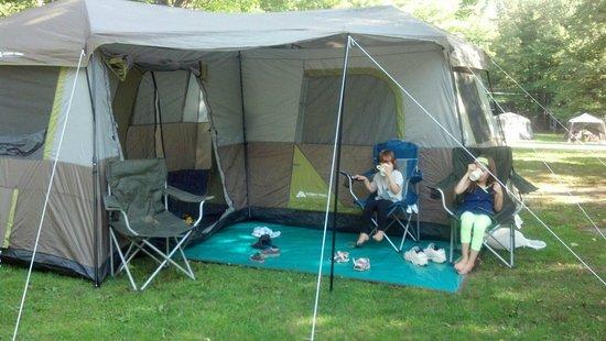 Jellystone Park at Birchwood Acres: grassy tent site