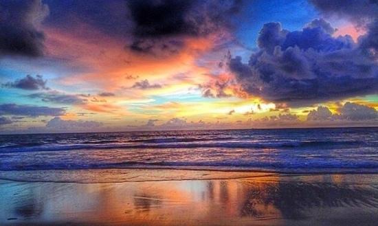 Naithonburi Beach Resort : закат