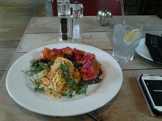 The Phene: Delicious Salmon Sandwich! GREAT SERVICE!