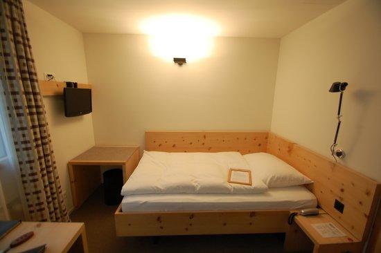 Hauser Hotel St. Moritz: My Bed