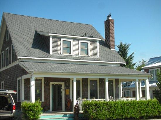 Seabrook Cottage Rentals : S'Mores Cottage